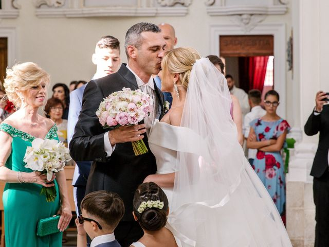 Il matrimonio di Giovanni e Maura a Pozzallo, Ragusa 28