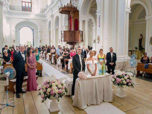 Il matrimonio di Giovanni e Maura a Pozzallo, Ragusa 29