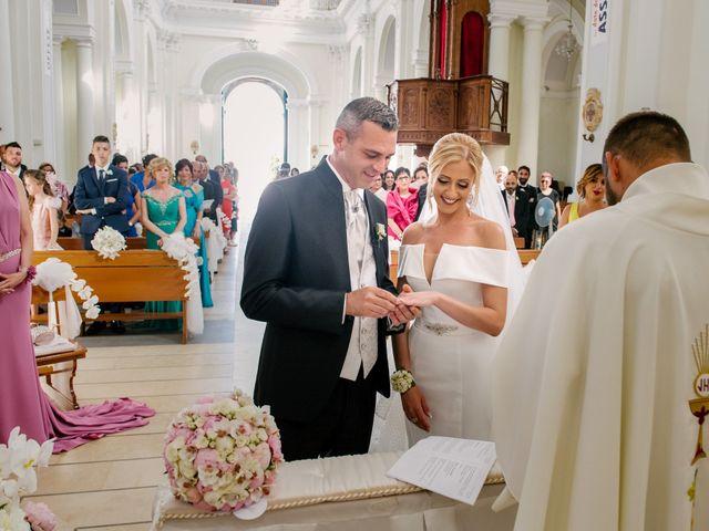 Il matrimonio di Giovanni e Maura a Pozzallo, Ragusa 31