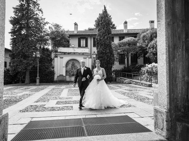 Il matrimonio di Maura e Riccardo a Angera, Varese 12