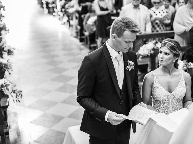 Il matrimonio di Maura e Riccardo a Angera, Varese 17