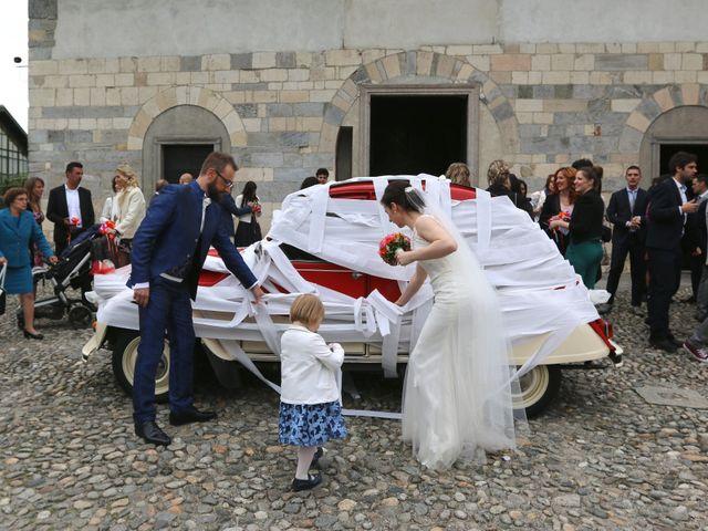 Il matrimonio di Roberto e Elisabetta a Sesto Calende, Varese 12
