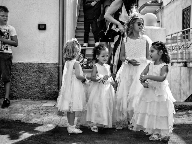 Il matrimonio di Maria e Stefano a Strongoli, Crotone 24