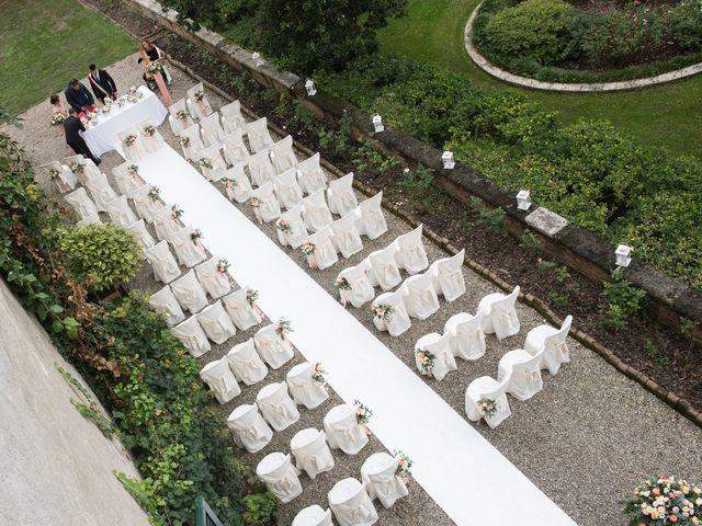 Il matrimonio di Vincenzo e Debora a Palazzo Pignano, Cremona 11