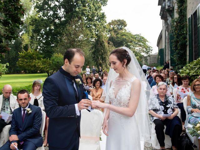 Il matrimonio di Vincenzo e Debora a Palazzo Pignano, Cremona 23