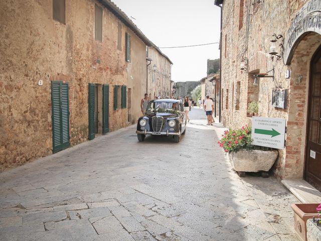 Il matrimonio di Massimiliano e Roberta a Monteriggioni, Siena 15