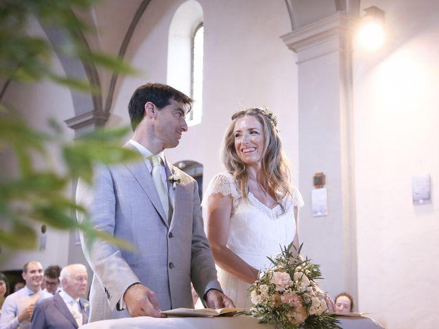 Il matrimonio di Massimiliano e Roberta a Monteriggioni, Siena 17