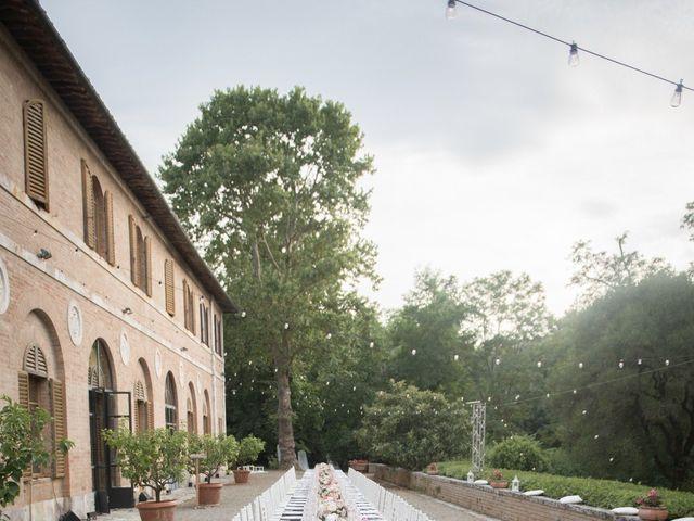 Il matrimonio di Massimiliano e Roberta a Monteriggioni, Siena 25