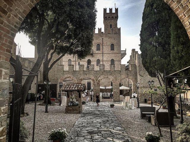 Il matrimonio di   Tonio e Laura a Tavoleto, Pesaro - Urbino 3
