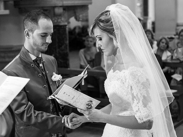 Il matrimonio di Elio e Giulia a Marlia, Lucca 28