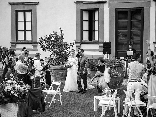 Il matrimonio di Elio e Giulia a Marlia, Lucca 55