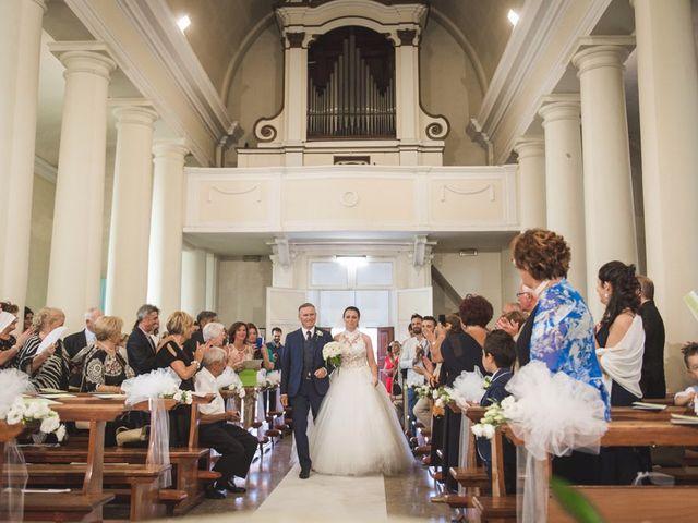 Il matrimonio di Luca e Claudia a Sant'Ippolito, Pesaro - Urbino 8