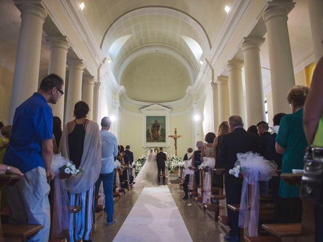 Il matrimonio di Luca e Claudia a Sant'Ippolito, Pesaro - Urbino 10