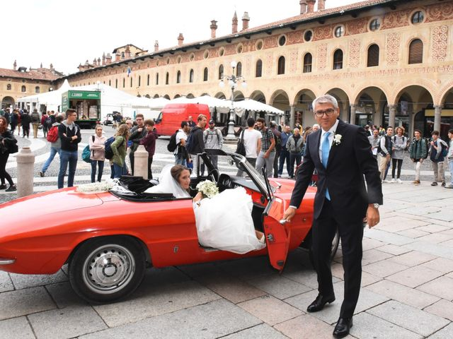 Il matrimonio di Gianfrancesco e Simona a Vigevano, Pavia 16