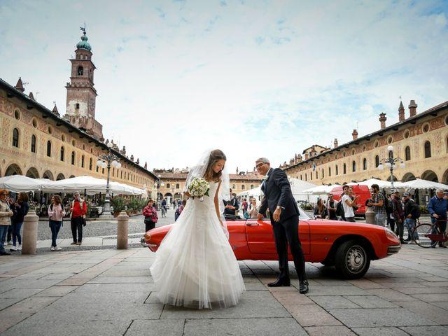 Il matrimonio di Gianfrancesco e Simona a Vigevano, Pavia 17