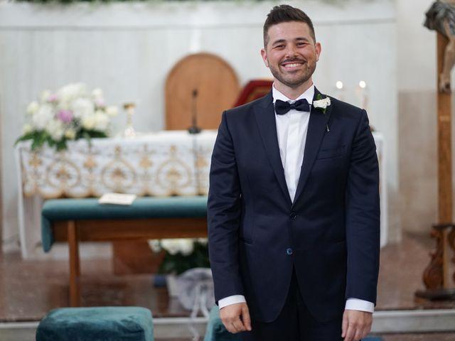 Il matrimonio di Emanuele e Monica a Napoli, Napoli 19