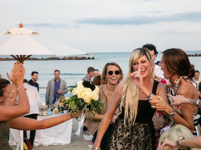 Il matrimonio di Luca e Simona a Comacchio, Ferrara 6