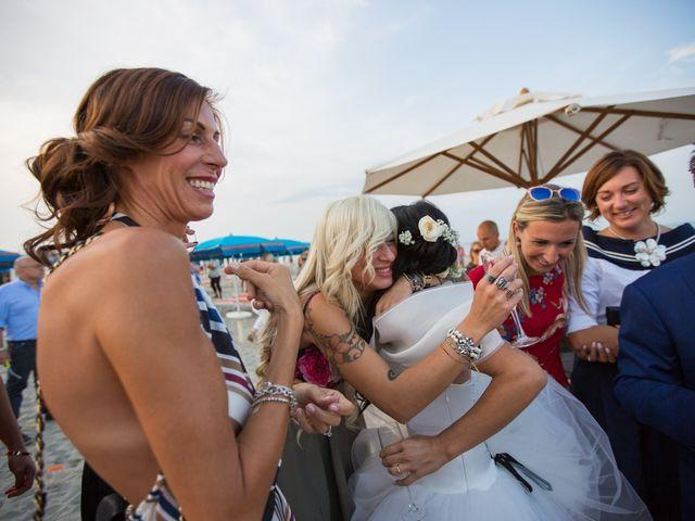 Il matrimonio di Luca e Simona a Comacchio, Ferrara 44