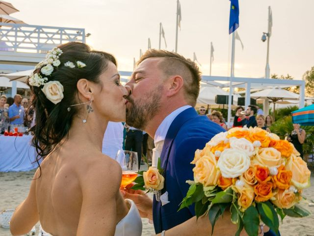Il matrimonio di Luca e Simona a Comacchio, Ferrara 52