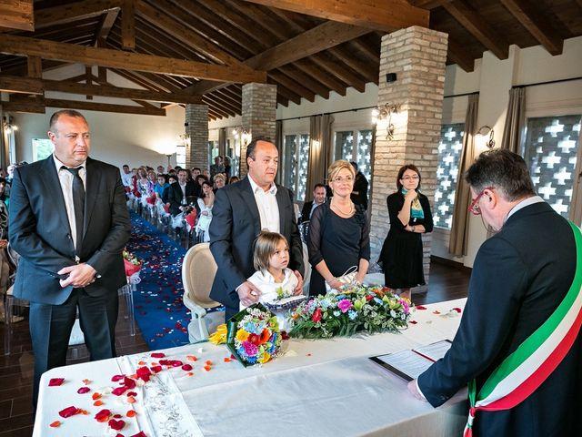 Il matrimonio di Alberto e Emanuela a Fara Gera d'Adda, Bergamo 7
