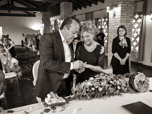 Il matrimonio di Alberto e Emanuela a Fara Gera d'Adda, Bergamo 8
