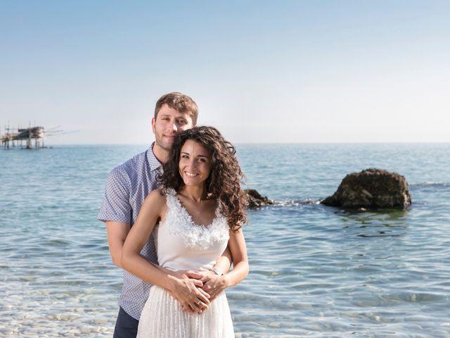 Il matrimonio di Simone e Giò a Vasto, Chieti 9