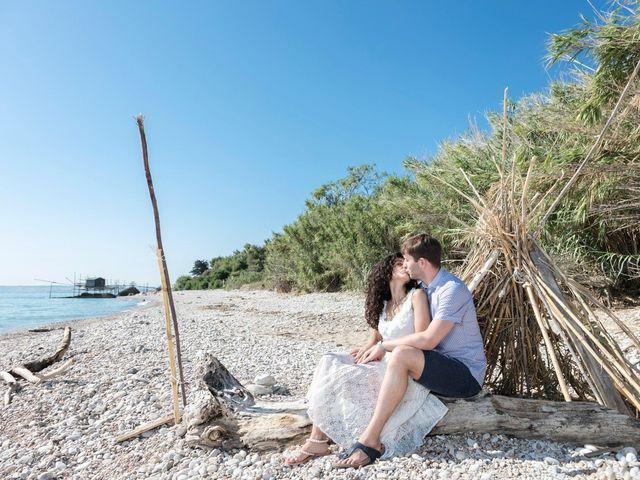 Il matrimonio di Simone e Giò a Vasto, Chieti 11