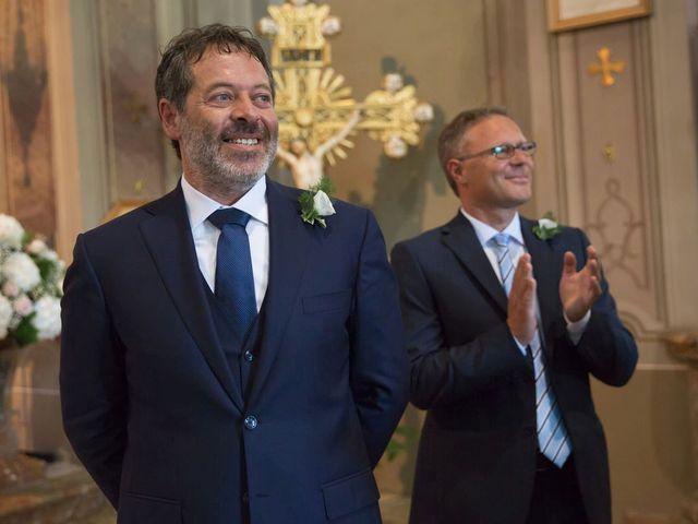 Il matrimonio di Filippo e Barbara a Sumirago, Varese 29