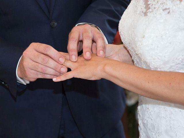 Il matrimonio di Filippo e Barbara a Sumirago, Varese 32