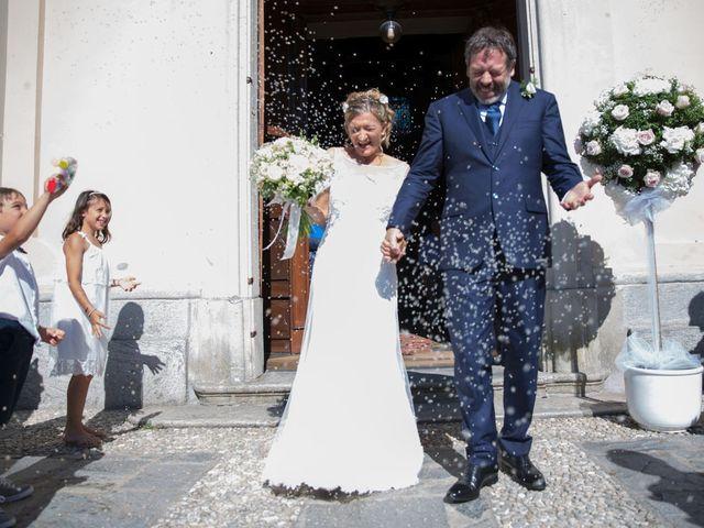 Il matrimonio di Filippo e Barbara a Sumirago, Varese 40