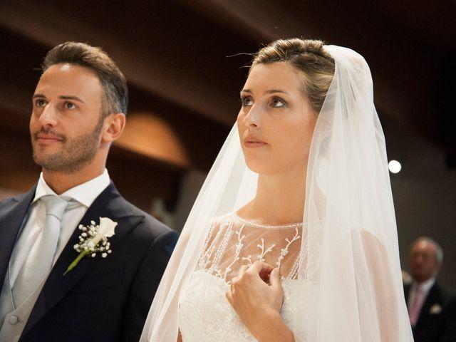 Il matrimonio di Vittorio e Elena a Castel San Pietro Terme, Bologna 12