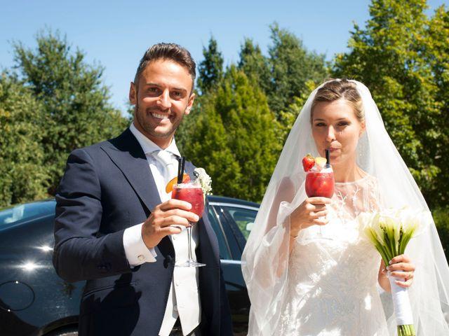 Il matrimonio di Vittorio e Elena a Castel San Pietro Terme, Bologna 30