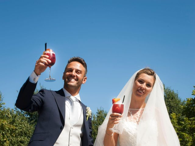 Il matrimonio di Vittorio e Elena a Castel San Pietro Terme, Bologna 31