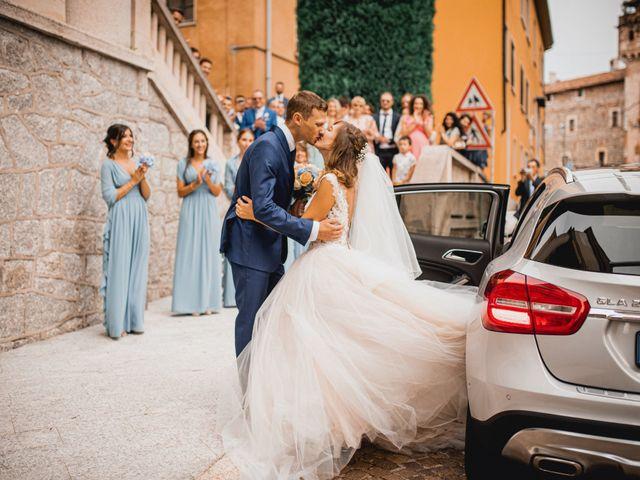 15 Acconciature Per Le Spose Dai Capelli Ricci Naturali Pinterest