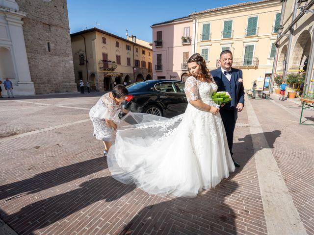 Il matrimonio di Riccardo e Desirè a Campli, Teramo 19