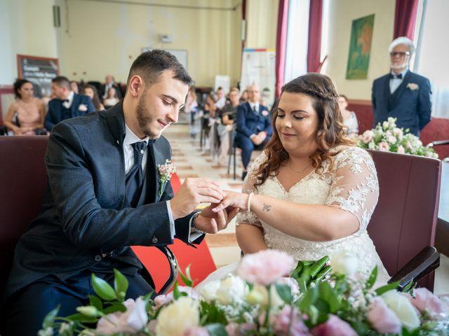 Il matrimonio di Riccardo e Desirè a Campli, Teramo 20