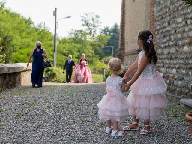 Il matrimonio di Massimiliano e Paola a Ferno, Varese 17
