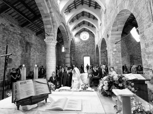 Il matrimonio di Nicola e Silvia a Spello, Perugia 30