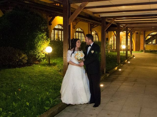 Il matrimonio di Vincenzo e Sara a Bollate, Milano 32