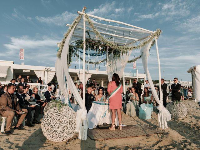Il matrimonio di Dario e Elisabetta a Gallipoli, Lecce 37