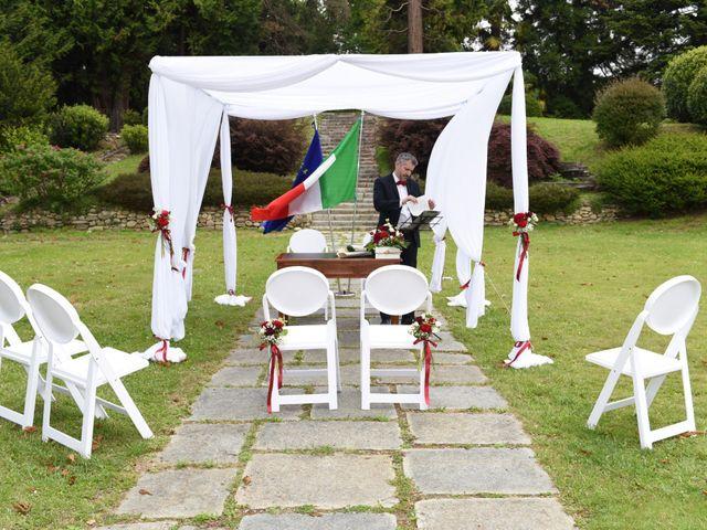 Il matrimonio di Massimiliano e Sara a Carnago, Varese 7