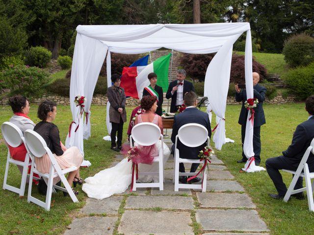 Il matrimonio di Massimiliano e Sara a Carnago, Varese 14