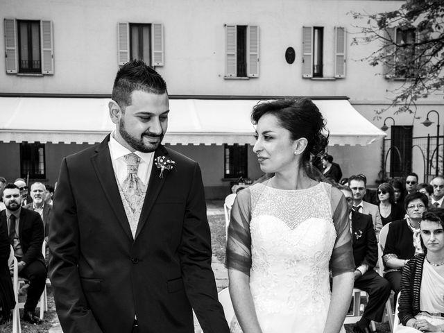 Il matrimonio di Massimiliano e Sara a Carnago, Varese 15