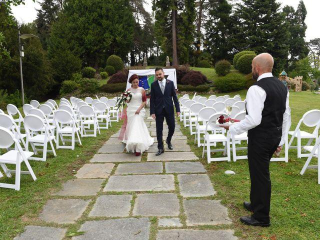 Il matrimonio di Massimiliano e Sara a Carnago, Varese 18
