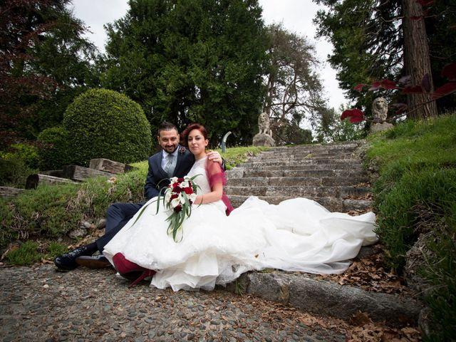 Il matrimonio di Massimiliano e Sara a Carnago, Varese 23