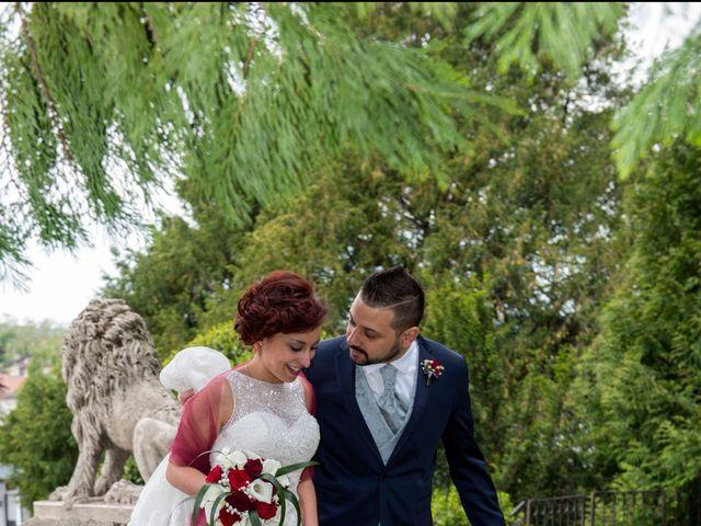 Il matrimonio di Massimiliano e Sara a Carnago, Varese 26