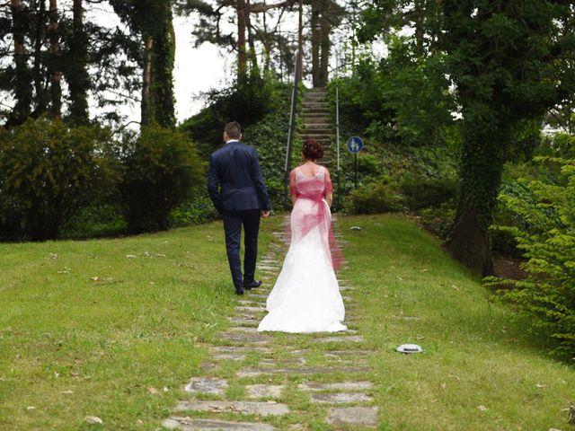 Il matrimonio di Massimiliano e Sara a Carnago, Varese 30