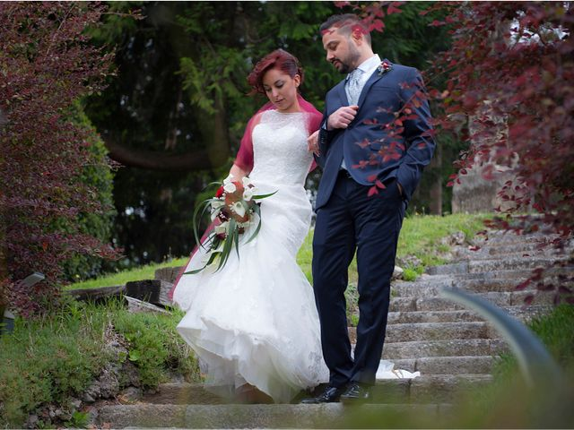 Il matrimonio di Massimiliano e Sara a Carnago, Varese 33
