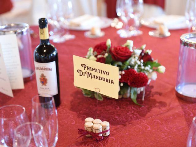 Il matrimonio di Massimiliano e Sara a Carnago, Varese 36