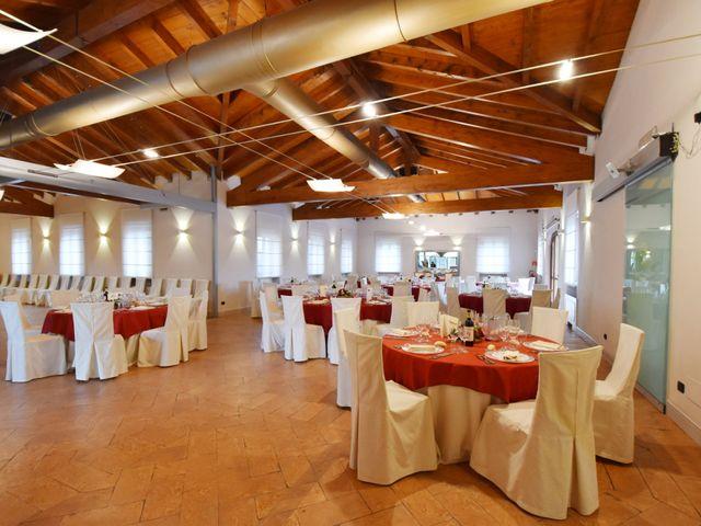 Il matrimonio di Massimiliano e Sara a Carnago, Varese 38